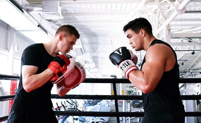 Тульский боксёр вышел в полуфинал чемпионата России