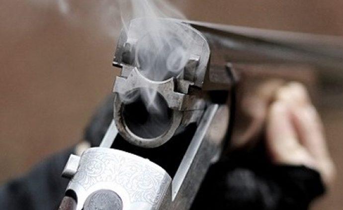 В Новомосковске мужчина выстрелил из обреза в грудь знакомой