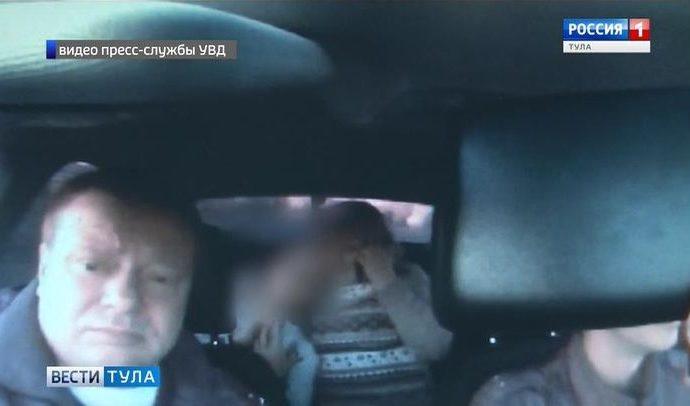Автоинспекторы вовремя успели доставить в больницу 13-летнюю девочку