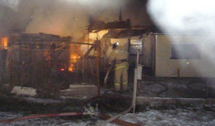 В Велье-Никольском огонь унес жизни двух женщин