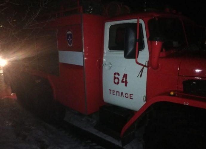 Огонь уничтожил дом в деревне Петровское Тёпло-Огаревского района