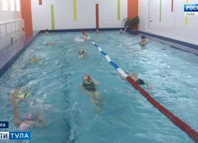 После ремонта в бассейне Лицея искусств состоялся первый заплыв