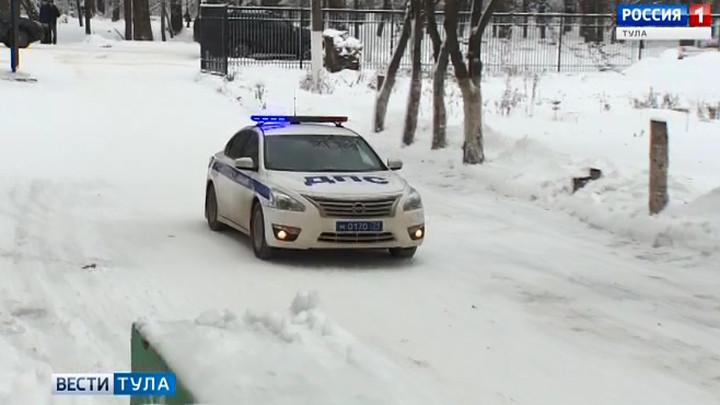 В Болохове Дед Мороз приехал на утренник на полицейской машине