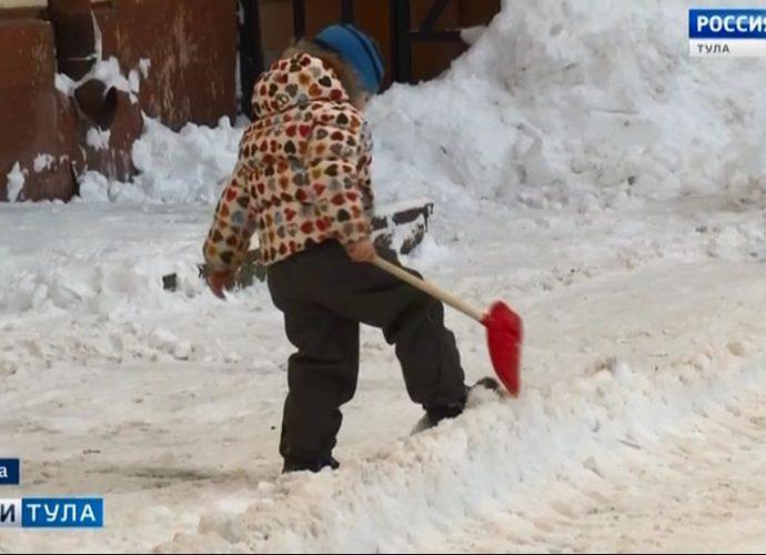 В какой срок управляющие компании обязаны очистить дворы от снега?