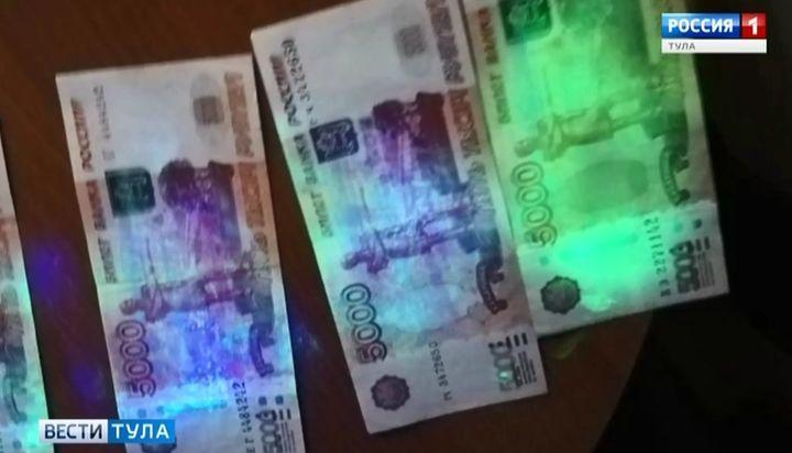 Следователи: Сотрудник УФСИН попросил за УДО 100 тысяч