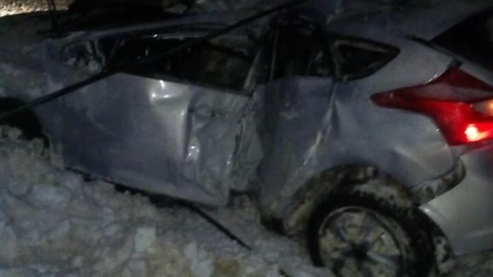 Столкновение с опорой ЛЭП закончилось смертью для водителя иномарки