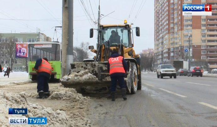 Тульские коммунальщики рассказали, кто мешает им качественно убирать снег