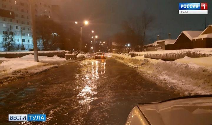 В Пролетарском округе ограничена подача воды из-за аварии