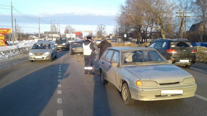 На трассе «Тула-Новомосковск» столкнулись два ВАЗа