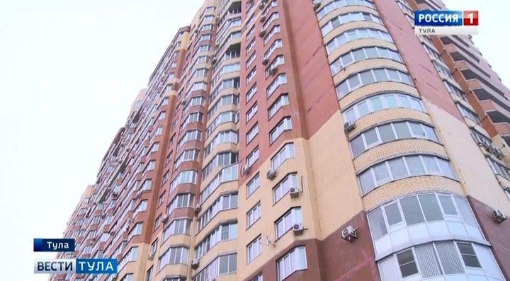 Двое мужчин выпали с верхних  этажей домов в разных концах Тулы