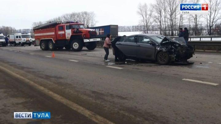 В ДТП В Узловском районе погибли мужчина и женщина