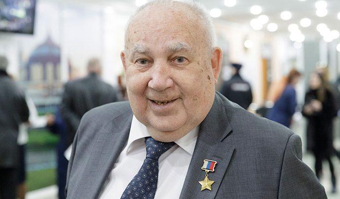 На 81-м году жизни скончался Николай Макаровец