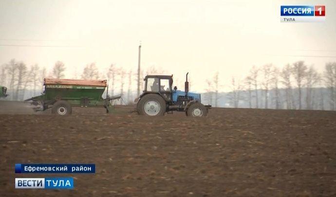 На юге Тульской области техника вышла на поля