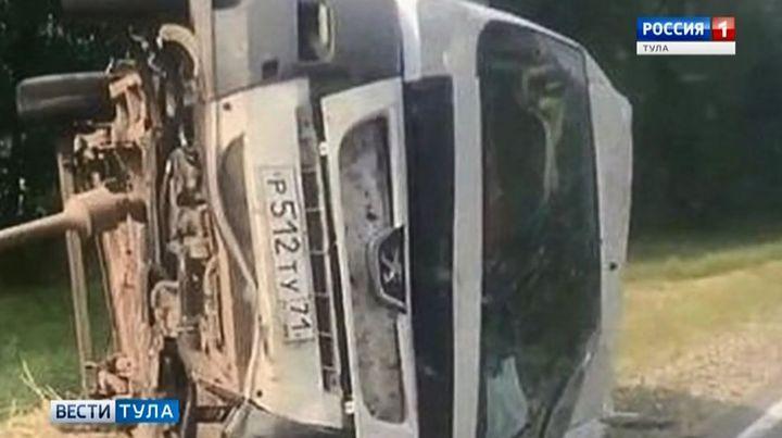 Микроавтобус из Тулы попал в ДТП под Рязанью
