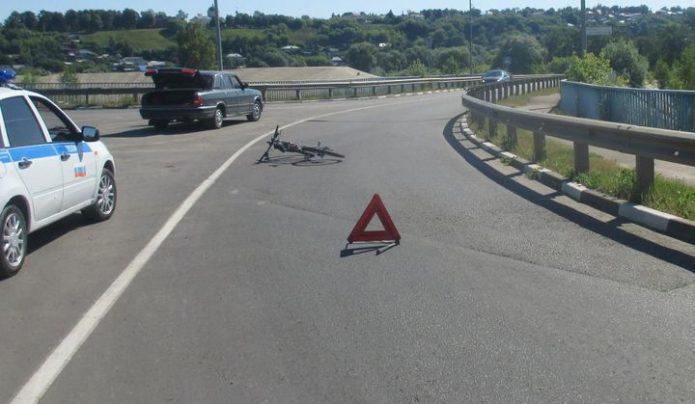 В Алексине столкнулись велосипед и «Волга»