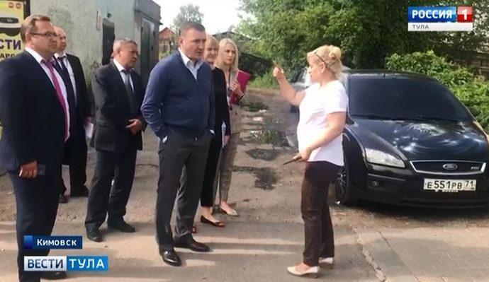 Доведённая до отчаяния кимовчанка поймала губернатора в ходе визита в район