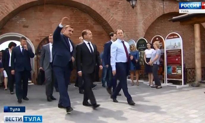 Дмитрий Медведев увидел, как идёт подготовка к празднованию 500-летия Тульского кремля