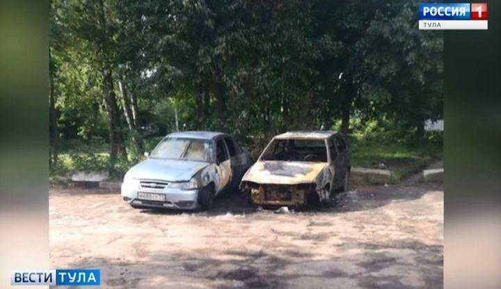Ночью в Тульской области сгорели ещё 4 автомобиля