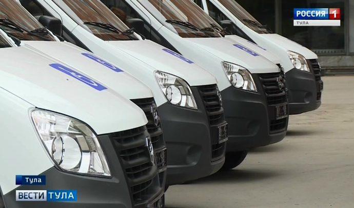 Алексей Дюмин передал учреждениям соцобслуживания региона 11 автомобилей