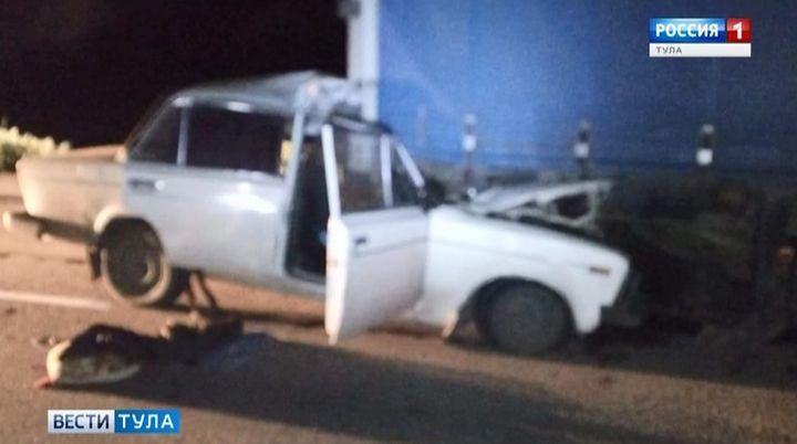 В Тульской области водитель «шестёрки» погиб, влетев под грузовик