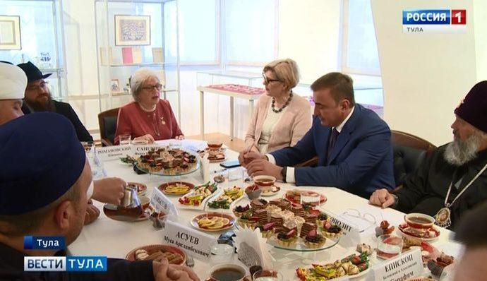 Кому помогают религиозные конфессии в Тульской области?