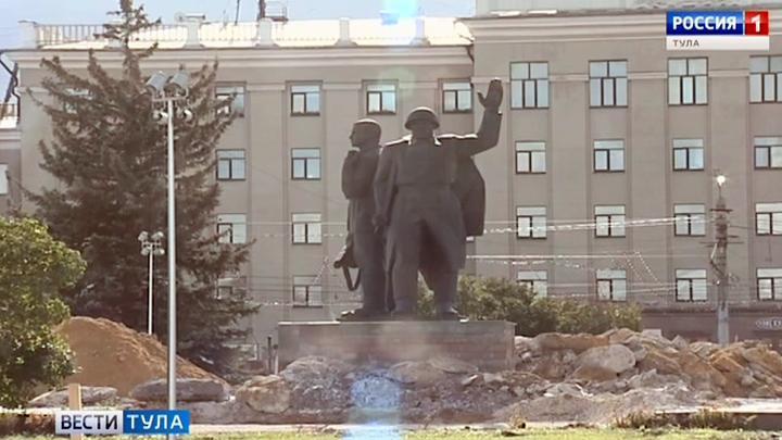 На площади Победы в Туле сняли плитку и гранитные ступени