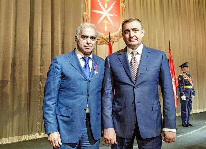 Губернатор наградил медалью президента «Арсенала»