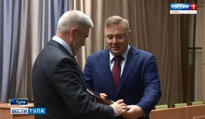 Тульским областным и городским депутатам вручены мандаты