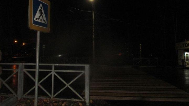 В Новомосковске пешеход попал под машину на переходе