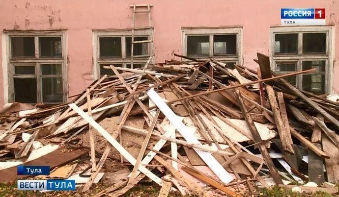 Здание школы в деревне Ямны признали аварийным