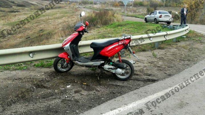В Ефремове мальчик без шлема и водительских прав попал в ДТП на скутере