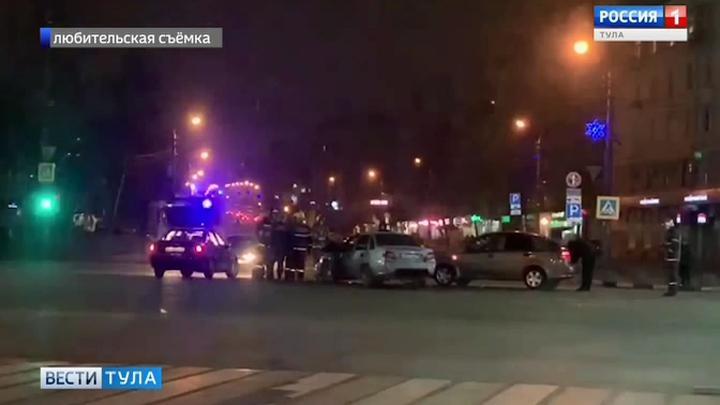 В Туле произошло ДТП с участием трех автомобилей