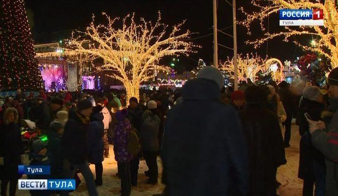 Жители Тульской области смогут встретить Новый год на главных площадях районов