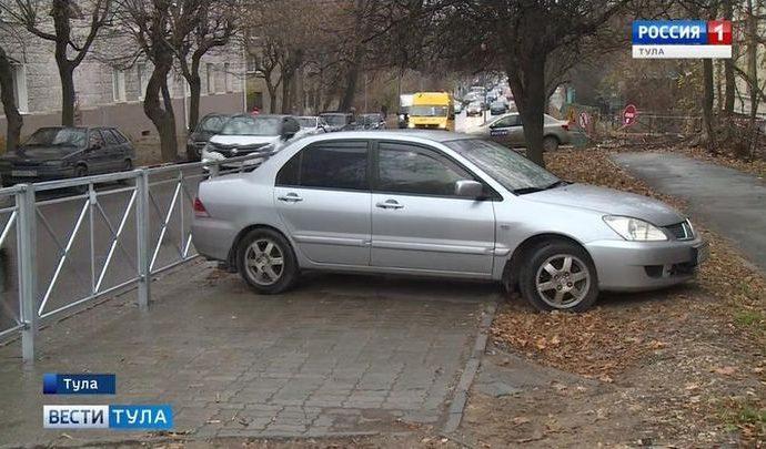 В Тульской области введут штрафы за парковку на газонах?