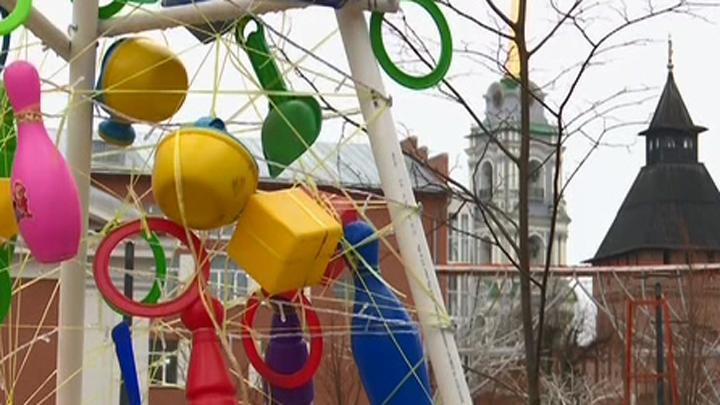 На Металлистов в Туле появились креативные елки