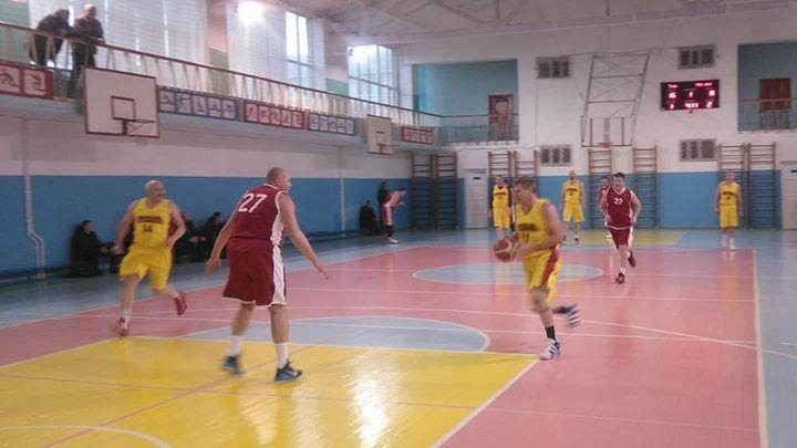 Ветераны тульского баскетбола одержали две победы на первенстве ЦФО