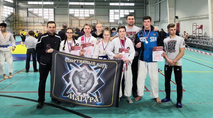 Щёкинские рукопашники привезли девять медалей из Калуги