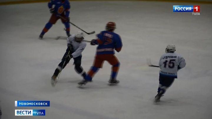 В Новомосковске хоккеисты сражаются за путёвки на всероссийский этап спартакиады учащихся
