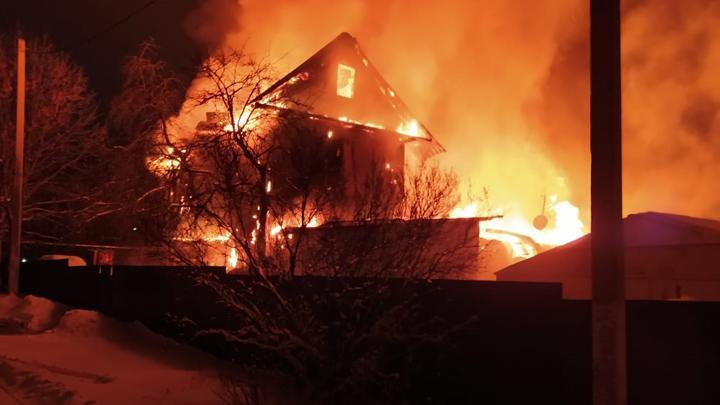 В Тульской области в огне погибли несколько человек