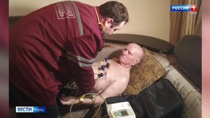 Тульские врачи проводят диспансерный осмотр ветеранов на дому
