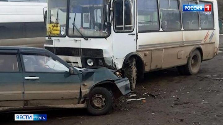 В ДТП с автобусом в Узловском районе погиб человек