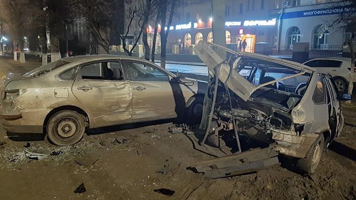 В Туле произошло массовое ДТП с участием машины каршеринга