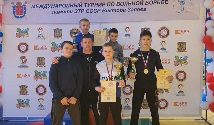 Три медали турнира памяти Заяева достались тульским борцам