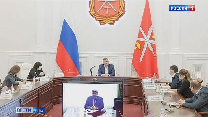 Губернатор Алексей Дюмин провел рабочую встречу с врачами