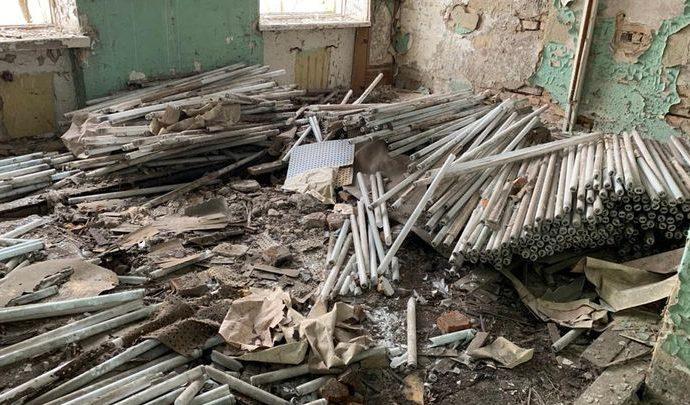 В Узловском районе обнаружен заброшенный склад ртутных ламп