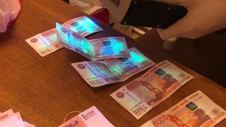 Начальника алексинского ОБЭП подозревают в получении взятки