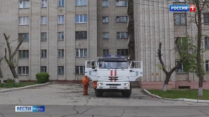 Сотрудники МЧС России по Тульской области провели дезинфекцию на территории педуниверситета