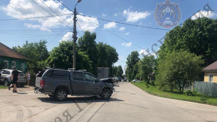 В Алексине пьяный водитель, лишённый прав, устроил ДТП
