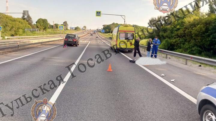 На трассе «Дон» мотоциклист столкнулся с внедорожником