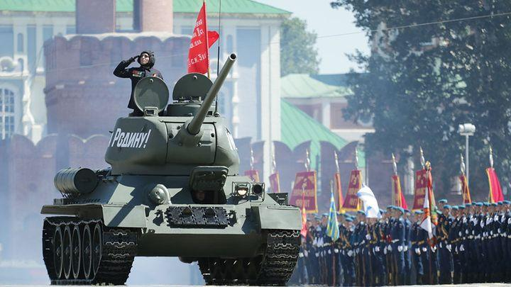 В Туле прошёл военный парад